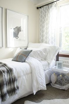 Dorm room decor, before and after makeover on @thouswellblog