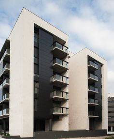 I like the depth and balconies Commercial Architecture, Facade Architecture, Residential Architecture, Building Facade, Building Exterior, Building Design, Facade Design, Exterior Design, International Style Architecture