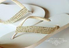 feca76fdfad6a BRIDAL Flip Flops WEDDING Flip by Glamtouchboutique on Etsy Bridesmaid Flip  Flops