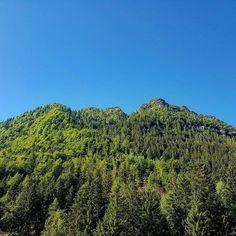 Vista dal parcheggio all'inizio del sentiero per il Rifugio Gianpace (trovate il link dell'escursione nel profilo!) #montagna #trekking