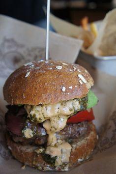 NYで一番美味しいハンバーガーはココ!素材にこだわるオーガニックバーガー【Bareburger】|はにのグルメブログNYC Arts & Foods by HANI