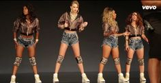"Taylor Swift Caught Twerking in ""Shake It Off"" Clip Outtakes"