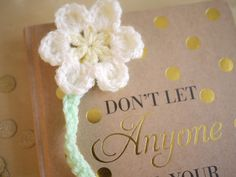Crochet Daisy bookmark pattern