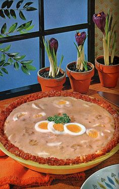 A ground beef crust for a hard boiled egg and cream of mushroom soup pie. This makes me not be able to even. I really, truly, just can't even.