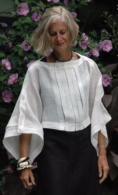 Chic and Fashionable With White Shirt Tolle Auswahl bei diva.- Chic and Fashionable With White Shirt Tolle Auswahl bei divafashion. Schau do… Chic and Fashionable With White Shirt Tolle Auswahl bei divafashion. Mode Hippie, Advanced Style, White Shirts, White Blazers, White Blouses, Linen Dresses, Look Chic, Mode Outfits, Fashion Over