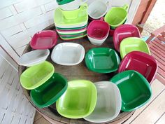 HARMONY HOUSE. Vintage Melmac. Melamine Dishes. Talk of the Town. 23 pc. Set for…