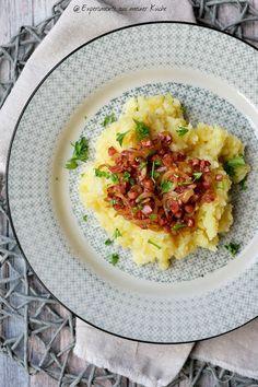 Experimente aus meiner Küche: Kartoffel-Pastinake-Püree mit Zwiebel-Speck-Soße