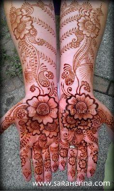 Henna by sarahenna.. I love the heel of the palms