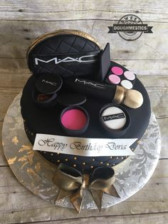 MAC Make up cake by Sweet Doughmestics