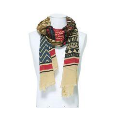 ¿Te resfrías con facilidad? Prueba con un fular para proteger tu garganta. Por ejemplo este con decorado étnico #Zara