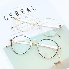 2017 Students Men/Women Retro Round Metal Eyeglasses Wind High Quality Fashion Frames Myopia Glasses Frame Optical Eyewear Love it? Cute Glasses Frames, Womens Glasses Frames, Cool Glasses, Specs Frames Women, Eyewear Online, Women's Eyewear, Optical Eyewear, Glasses Trends, Lunette Style