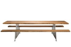 Luxurious design picnic table in oak wood and aluminium. #design #picnic-table