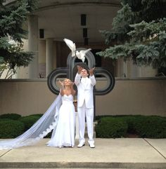 Add a unique and memorable touch to your wedding with White Dove Release! Contact Michaleen Nikolich, Woodstock, 815.575.9359, WDRelease@gmail.com, WDRelease.com