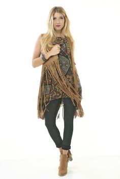 Eros Collection automne/hiver 2015 #eroscollection #ah15 #automne #hiver #style #look #gilet #camel #indien #imprimés #top #brun #franges #modele #mode #belgique #noemiehappart