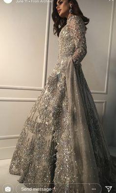 New Dress Designer Pakistani Gowns Ideas Indian Wedding Gowns, Pakistani Wedding Outfits, Indian Bridal Outfits, Pakistani Bridal Dresses, Designer Wedding Gowns, Pakistani Wedding Dresses, Indian Gowns, Designer Gowns, Gown Wedding