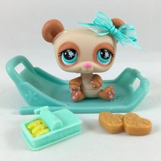 Littlest Pet Shop RARE Tan & Cream Panda Bear #925 w/Sled & Accessories #Hasbro