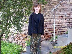 El pantalón camuflado es de la revista Burda style., via Flickr.