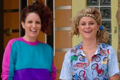 Tina Fey and Amy Poehler Party Like It's High School in the First 'Sisters' Teaser