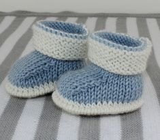 Baby 2 Colour Booties Beanie05 | madmonkeyknits knitting patterns