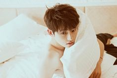 Find images and videos about handsome, kdrama and song joong ki on We Heart It - the app to get lost in what you love. Korean Male Actors, Korean Men, Asian Actors, Daejeon, Song Joong Ki, Descendants, Hyun Seo, Pretty Songs, Actor