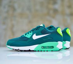 new style cd6a3 d7206 Nike Air Max 90 WMNS - Dark Emerald   White - Mint