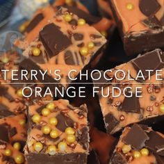 Easy, Delicious, and oh so Chocolatey. Terry's Chocolate Orange Fudge that is SO easy to make you'll be making it again and again. Orange Fudge Recipes, Orange Truffles Recipe, Chocolate Recipes, Chocolate Fudge, Delicious Chocolate, Baking Recipes, Cake Recipes, Dessert Recipes, Easter Recipes