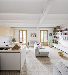 Anna & Eugeni Bach - Reforma de una vivienda (c/ Urgell con c/ Floridablanca)