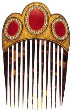 Peigne, début du XIXe siècle, France  Or, cornaline, perles, écaille, émail. TRANSLATION - Comb, early nineteenth century France, however, carnelian, pearl, shell, enamel.