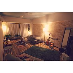 umeji21さんの、部屋全体,観葉植物,照明,楽器,植物,ギター,クッション,一人暮らし,賃貸,デジタル一眼レフ,のお部屋写真