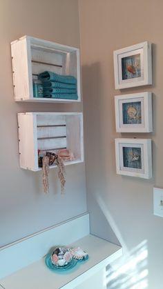 60 Ideas Diy Shelves Crates Small Bathrooms For 2019 Wooden Crates White, Wooden Box Shelves, Shadow Box Shelves, Wood Crates, Crate Furniture, Recycled Furniture, Kitchen Sink Diy, Diy Storage Bench, Diy Home Decor