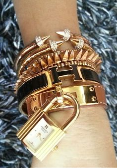 Love this stacked bracelet look from Hermes. Create your own version from NOLA-made jewelry - visit the #FallFashionBazaar http://bijouxcreateurenligne.fr/product-category/bracelet-fantaisie/