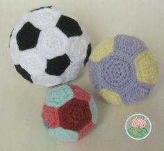 AMIGURUMI FOOTBALL,MEDIUM & SMALL BALLS © 2014 Toma Creations