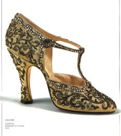 so exquisite & on trend...[Oscar worthy] 1920's shoes