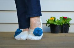 Get ready for winter! .Adult Crochet slippers free pattern. ☀CQ #crochet #crafts #DIY.