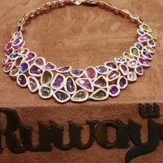 @jewellery_masterpiece. Sapphires necklace @ruwaya_jewellery.