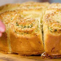 Dairy Free Recipes, Vegetarian Recipes, Gluten Free, Pull Apart Garlic Bread, Bread Dough Recipe, Food Trends, Bread Rolls, Pizza, Dinner Recipes