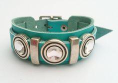 Lederen armband met leerschuivers en Swarovski €19.50