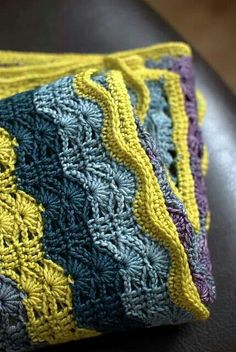 ***This pattern wud look great for a baby in graduating  colors of green-blues for boy & purples-pinks for girls: using 5-6 colors