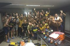 El festejo en el vestuario de Boca después del 4-2.