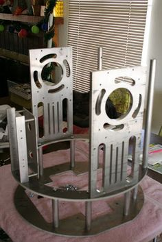 Here are some photos of my JAG Frame. All aluminum, precut, predrilled, and very stable. Put it together in about three hours with a ph. R2d2 Images, R2 Unit, Star Wars Models, R2 D2, Mish Mash, Star Wars Collection, Robots, Favorite Things, Workshop