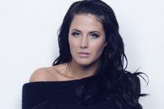 "Sweden: Molly Sandén's Melodifestivalen 2016 song ""Youniverse"" leaked"
