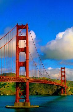 •Golden Gate Bridge, San Francisco, California
