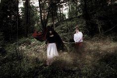 - Red walk - Model: Hedda Ringgren & Linnea Kruslock