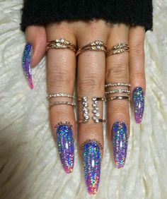 Winter season is usually when I go longer with my real nails. I take care of breaks and cracks with a very thin layer of powder or gel and no tips. Almost there. This set it purrdy