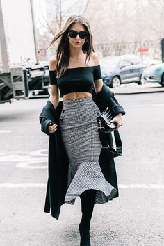 Emily Ratajkowsky New York Fashion Week #streetstyle #2017 #Fall #AW17