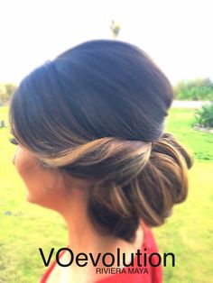 To give inspiration ! #BridalHair  Classy, elegant for a #DestinationWedding www.vo-evolution.com #BeachWedding