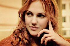 Мерьем Узерли: Какой цвет волос у актрисы на самом деле https://joinfo.ua/showbiz/1208406_Merem-Uzerli-tsvet-volos-aktrisi-samom-dele.html