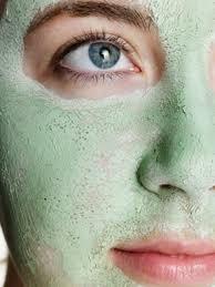 Argila verde no rosto elimina cravos e espinhas; dermatologista ensina a usar - Vix Diy Skin Care, Skin Care Tips, Organic Skin Care, Natural Skin Care, Best Hydrating Face Mask, Beauty Skin, Health And Beauty, Facial Care, Tips Belleza