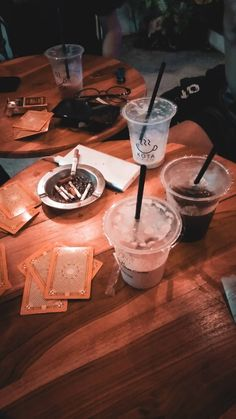 Creative Instagram Photo Ideas, Aesthetic Coffee, Night Driving, Boy Pictures, Galaxy Wallpaper, Junk Food, Coffee Time, Smoothies, Yummy Food