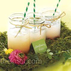 Drinks out of a mason jar, my favorite.love the fizz! Mason Jar Cocktails, Summer Cocktails, Pot Mason, Mason Jars, Pots, White Sangria, Sangria Recipes, Before Wedding, Signature Cocktail